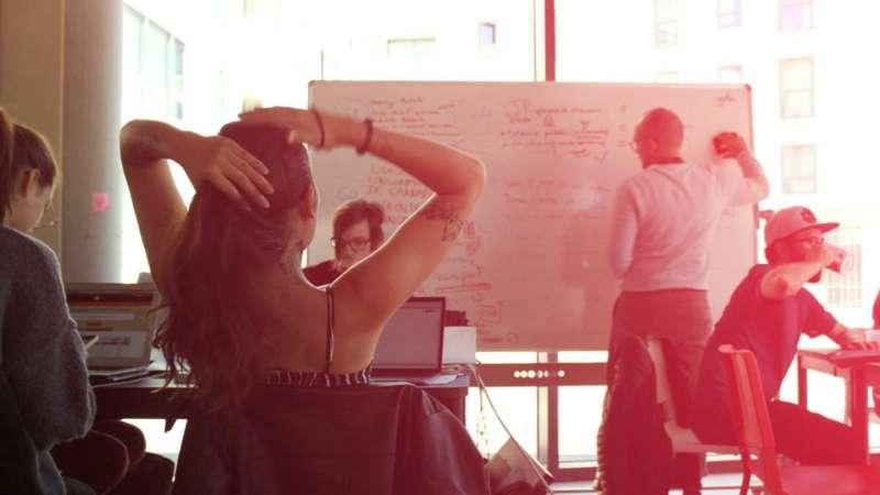 Des étudiants réalisent un workshop à l'institut D, une école de Design à Saint-Malo (Bretagne)